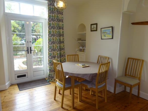 \'Foursomes\' 4, Coastguard Cottages, St. Andrews Road, Littlestone, New Romney, Kent. TN28 8RB
