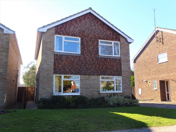 Littlestone Road, New Romney, TN28 8LN, 4 Bedrooms Bedrooms, ,2 BathroomsBathrooms,Detached house,NEW LISTING,Littlestone Road,2,1013